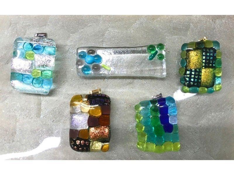 【東京・吉祥寺】ガラスプレートで箸置きやアクセサリーを作ろう♪簡単ガラス細工(30分)の紹介画像