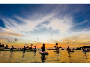 【Okinawa · Onna Village】 Twilight / Night SUP Picture of Yoga