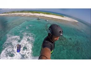 [沖繩縣宜野灣]飛享受飛在水面上板的感覺!