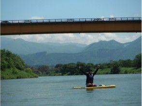 【長野・飯山】温泉入浴付き♪SUPで日本一の川下り《初めてOK!湖の初心者レッスン付き》の画像
