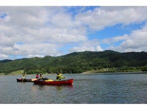 [青森縣西目屋村]由白神包圍,鬆散水漫步加拿大獨木舟圖像