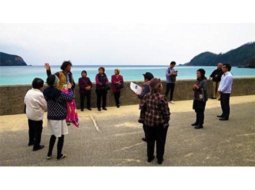 【鹿児島・奄美大島・観光ガイドツアー】島の歴史と人々の暮らしを知る 国直集落ブラ歩きツアー
