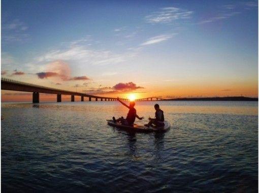 【沖縄・宮古島】サンセットサップ。初心者、歓迎、小型ボート並走で安心、快適‼️防水カメラレンタル無料。の紹介画像