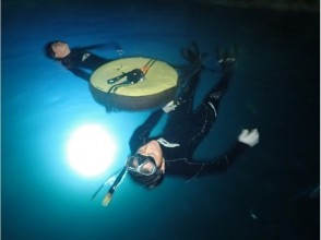 【Okinawa · Starry Sky & Night Ranch Night Snorkel】 Night snorkel in the blue cave! Underwater picture Free ♪ Okinawa people guide ♪
