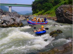 Fuji River rafting + BBQ plan You can enjoy the thrill and enjoy BBQ while watching the scenery