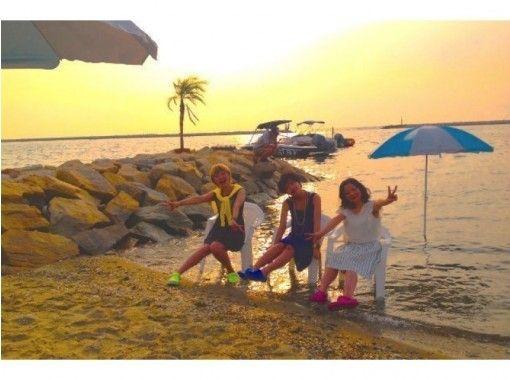 【大阪・阪南】ウェイクボード or ウェイクサーフィン(クルージング&サンセットパーティー)〈女性同士がお得〉