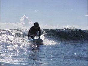 【沖縄・宮古島・サーフィンスクール】初心者でも安心。島のローカルサーファーによるスクール!