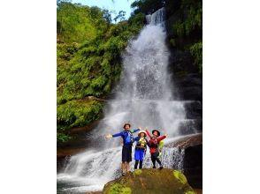 【沖縄・西表島】ナーラの滝&カヤック体験!西表島の大自然を満喫できるツアー!写真・ランチ付き