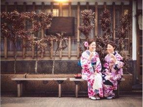 旅遊和服[從淺草,東京站步行0分鐘]和意大利晚餐! [和服租賃與餐具]