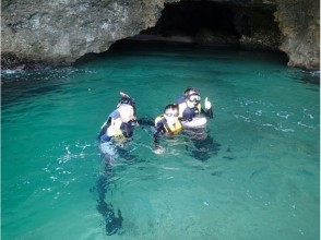 [Okinawa ・ Ishigaki island] B course · Blue cave snorkel experience & waterfall play! (half-day(With course and drink)