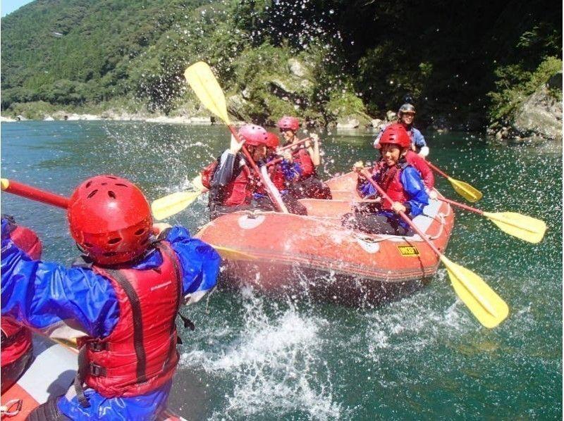 shikoku yoshino river let s have plenty of fun family rafting
