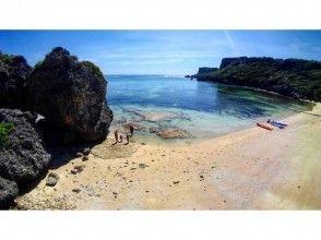 連なる二連ビーチ。「ウクの浜」「アクナ浜」に行くツアーの画像