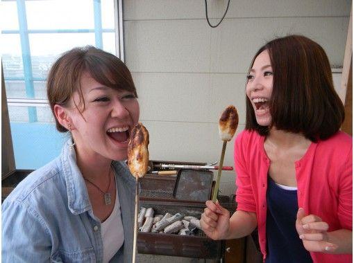 【宮城・塩竈】<事前予約でお得に!>笹かまぼこ手焼き体験と選べるお食事・お土産セットプラン!