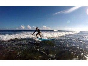 【沖縄・北谷】初心者向け☆サーフィン体験スクール!60分コースの画像