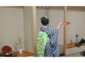 【京都で大人気の常設プログラム登場♪】舞妓さんと一緒にお点前体験 ~軽食とフリードリンク付き~