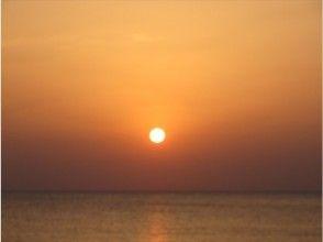 【沖縄・恩納村】スターライト&ムーンライトシュノーケル 水中撮影・タオルレンタル・魚の餌付無料!