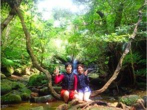 【沖縄・西表島】【半日2ツアー!】選べるクーラの滝カヌーorSUP&鍾乳洞探検の画像