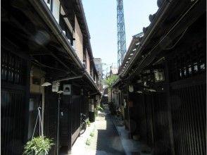 【京都・ガイド付き裏路地ミニツアー!宮川町花街界隈120分コース♪1名様が出発いたします!】