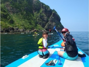 [Limited to 1 group per day! 】 SUP tour to enjoy the ocean with outstanding transparency with a huge SUP (MONSTER SUP)