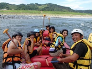 [Kumamoto Hitoyoshi] Let's enjoy the Kuma River with parents and children! Rafting Family course ★ with photo data
