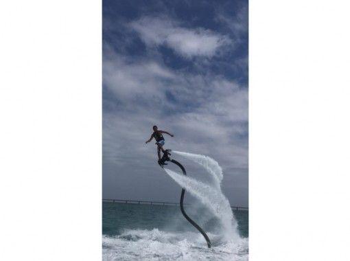 【沖縄県・宮古島】最新型★フライボード体験!