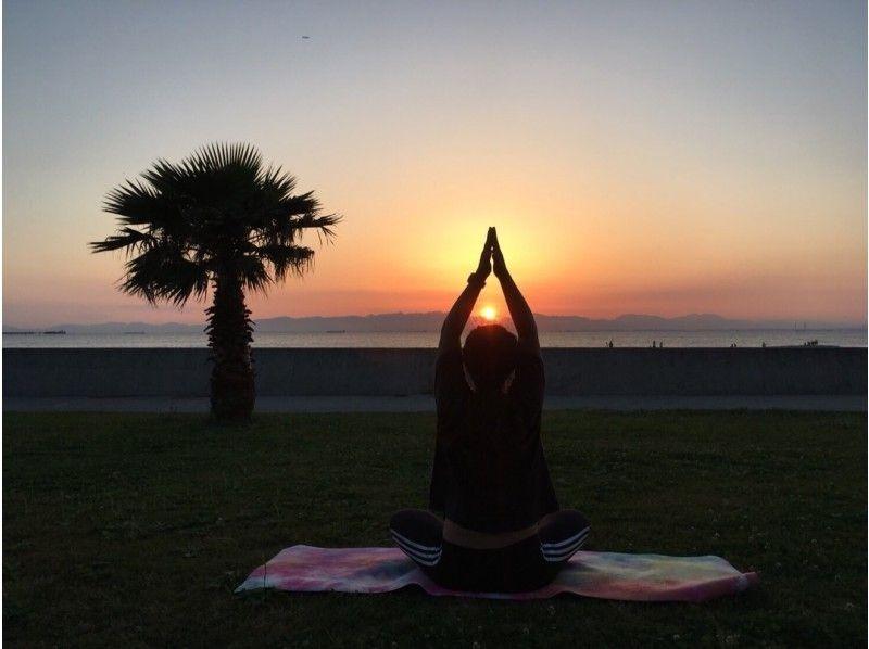 aichi tokoname rinku beach sunset beach beach yoga
