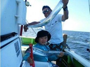 【神奈川・横浜】初心者・女性・お子様大歓迎!タチウオ釣りに挑戦しよう(1日コース)