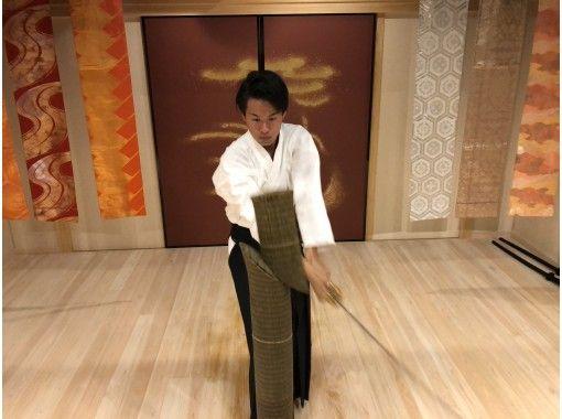 "[Osaka Shinsekai] Iaia slashing experience! ""LAST SAMURAI"" Why don't you feel the charm of Japanese swords?の紹介画像"