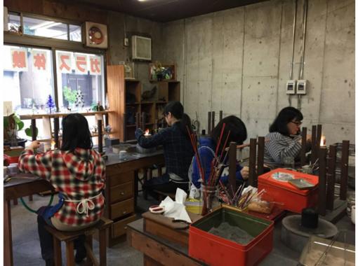 【大阪・和泉市】初めての方も小学生も気軽に体験!トンボ玉体験プラン