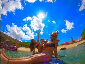 【地域共通クーポン対象】★コロナ対策万全★二人乗りも可能な大きなボード!沖縄の美しい海でSUPレンタル【GOPRO写真データ無料プレゼント】