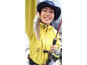 """[東京/羽田]便宜! """" MEGA Kiss""""包租船★最多可容納7人♪您可以介紹抓到的魚♪180分鐘"""
