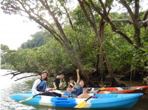 """""""HIS Super Summer Sale Now"""" Family Discount [Main Island / Chubu] Mangrove Kayak Tour ★ Free for 1 child under middle school and half price ★ Image gift!"""