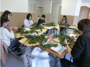 【東京・国分寺】12/5(日)開催!クリスマスリースを手作りして、アロマヨガを楽しもう