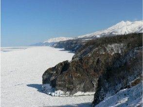 【北海道・知床】原生林と半島眺望スノーシューツアーの画像