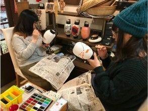【広島・尾道】創業100年以上の提灯屋で本格的な提灯絵付けをレクチャーします!提灯サイズMプラン