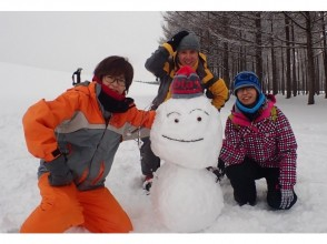 """[Hokkaido, Sapporo] """"Let's make a snowman!"""" In pure white snow Sapporo city free with pick-up! (half-day course)"""