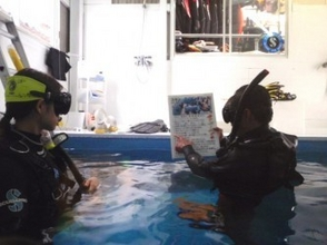 [Hyogo Himeji] will be accepted even at night! Underwater photography school with snorkel experience (in-store pool course)