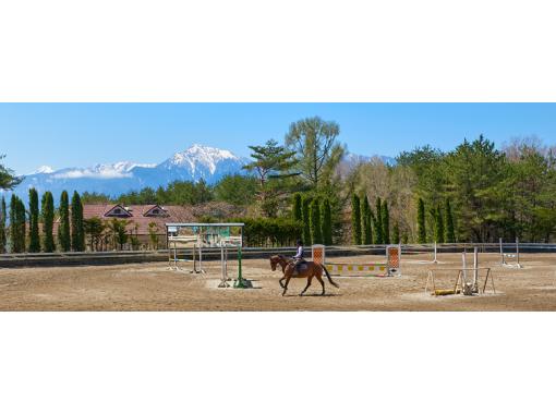 【山梨・小淵沢】初めてでも安心!マンツーマンで乗馬体験の紹介画像