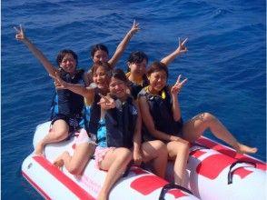 [From Naha] Kerama Islands Snorkeling + Marine Sports 1 item plan (with fish contact experience)