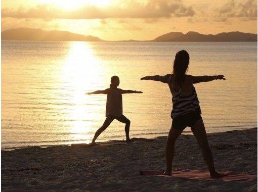 【沖縄・石垣島】1組貸切 サンライズビーチヨガ 静かな海辺で深呼吸 の紹介画像