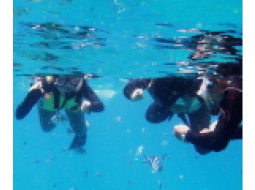 【沖縄・恩納村】6歳~OK!お得なパックメニュー★ビーチシュノーケル&ドラゴンボート&マリンジェット