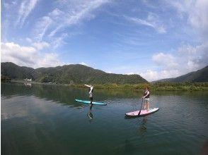 奄美人気観光スポットマングローブ原生林をSUPで楽しもう!プライベートマングローブSUP体験、カヌーも選べます!