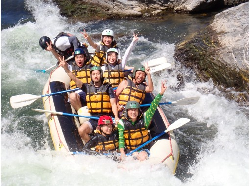 【Kyoto · Hozu River】 A natural roller coaster that nature creates! Rafting Tour (9:00 AM course)の紹介画像