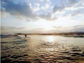 【沖縄・読谷】波に乗る感覚は一度味わったら癖になる!!SUPサーフィンコース