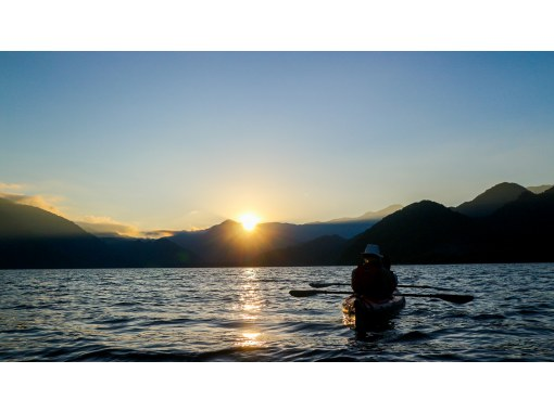 Evening canoeing at Lake Chuzenji in Nikko! A spectacular view of a leisurely start! 4 years old ~ OKの紹介画像