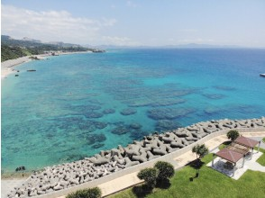 無人機拍攝經驗沖縄讓我們留在美麗的海灘上