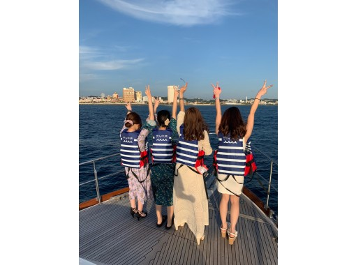 【沖縄・北谷】豪華クルーザーで沖縄の海をクルージング♪