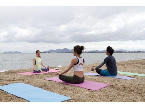【滋賀・大津・松の浦】琵琶湖でビーチヨガ・良い一日のはじまり♪