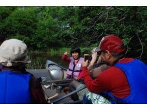 [北海道,屈斜路]孩子們也可以享受! s路川源頭水邊生物搜索和獨木舟之旅♪有下午茶時間