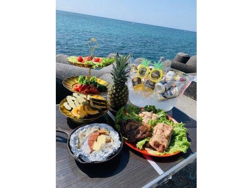 【沖縄・宜野湾】☆BBQプラン 無人島 船上 マリーナ プライベートビーチ